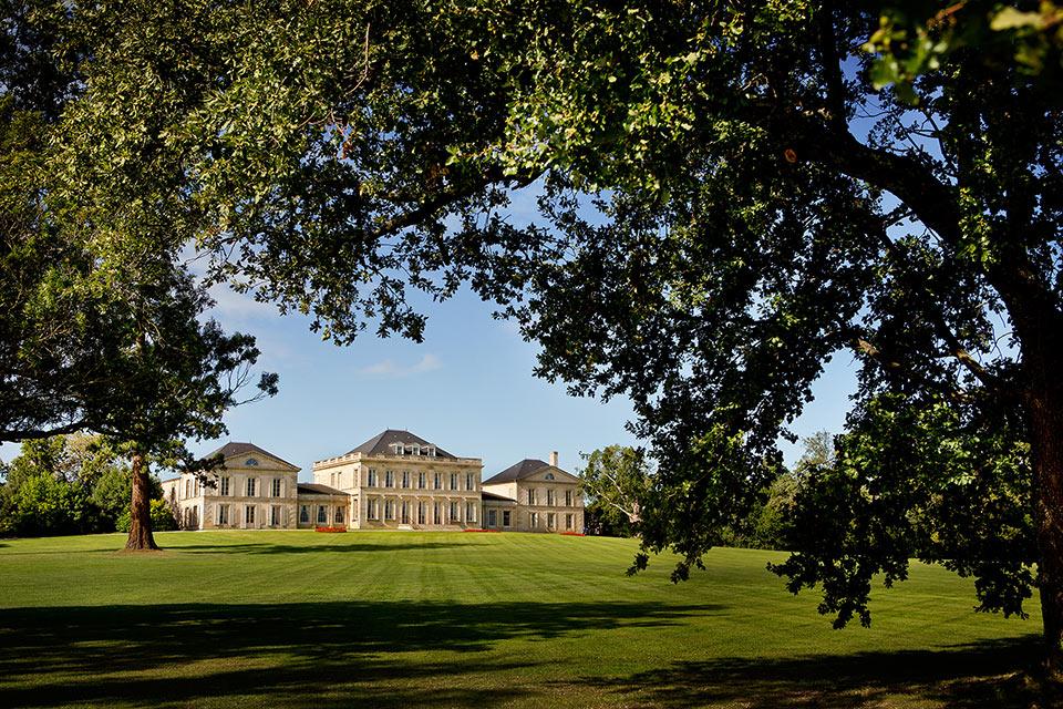 Le-Château-Phélan-Ségur-depuis-le-parc